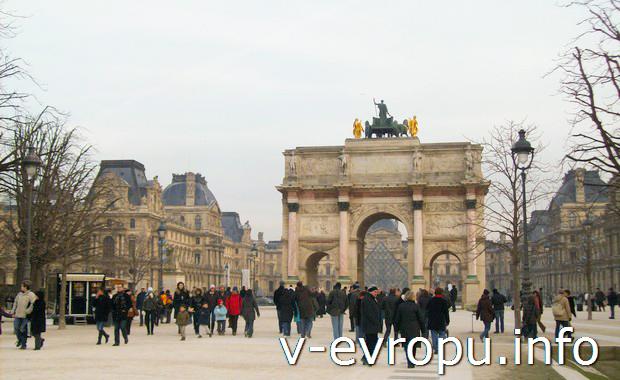 Жареные каштаны в Париже всегда найдете на Елисеевских полях
