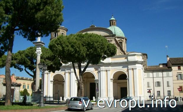 Церковь в центре Равенны в Италии
