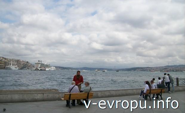 Набережная Босфорского залива в Стамбуле