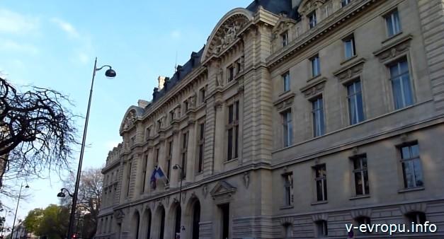 Латинский квартал в Париже: Сорбонна