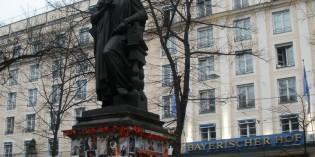 Кто изображен на Глокеншпиле в Мюнхене?