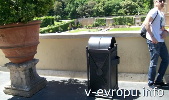 Рим для путешествий: правила самостоятельного туриста. Фото. Мусорные баки с пепельницами для сигарет