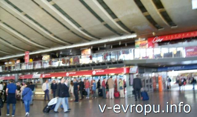 Рим. Жд вокзал Термини. Фото. Кассы продажи билетов