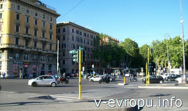 Транспорт Рима. Фото. Широкие улицы только на окраинах города