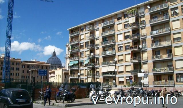 Транспорт Рима. Фото. Стоянка для мотоциклов и мопедов