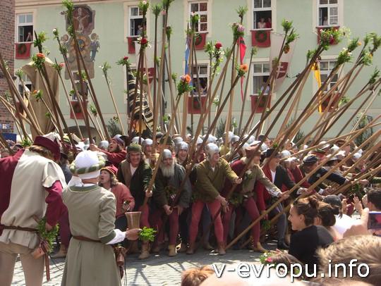 Свадьба в Ландсхуте: представление ратников