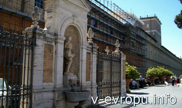 Здание Ватиканских Музеев