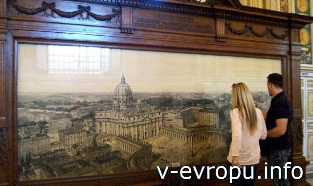 Туристы в Музеях Ватикана