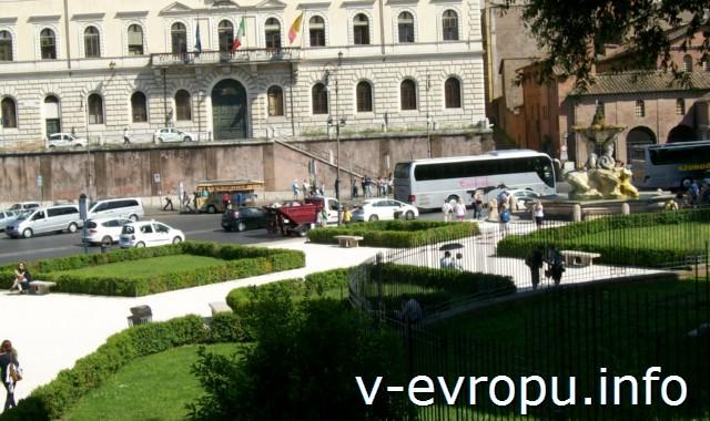 Рим для туристов: самые популярные районы города. Фото. Небольшой парк на пьяцца Венеция