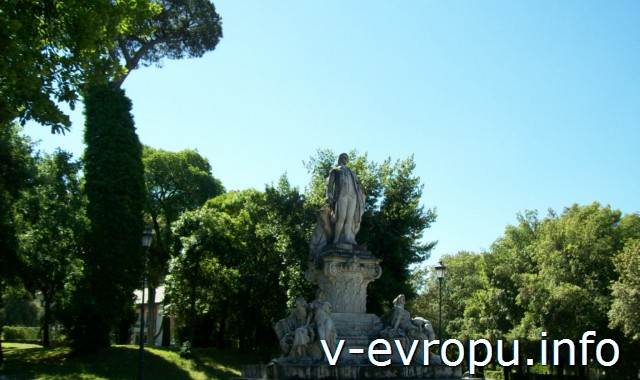 Памятник Гёте в парке Боргезе