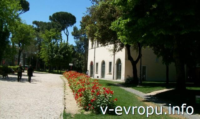 Парк Villa Borghese в мае 2013