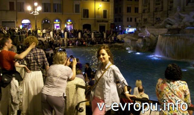 Рим для туристов: самые популярные районы города. Фото. фонтан Треви поздно вечером
