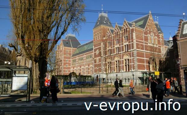 Как попасть в самые интересные музеи Амстердама?