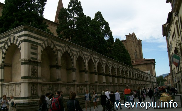 Боковой неф церкви Санта Мария Новелла во Флоренции