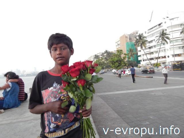 Индия. На набережной Мумбаи