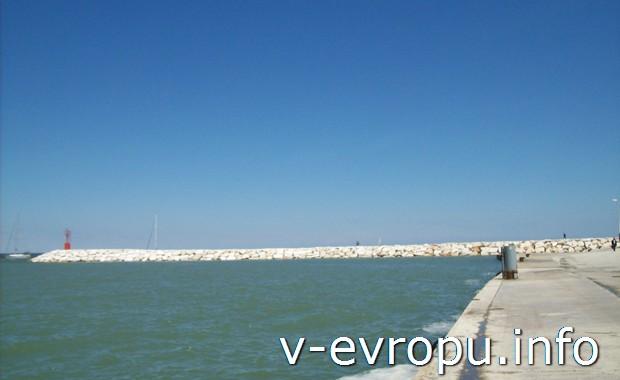 Море в Римини (Адриатическое побережье Италии)