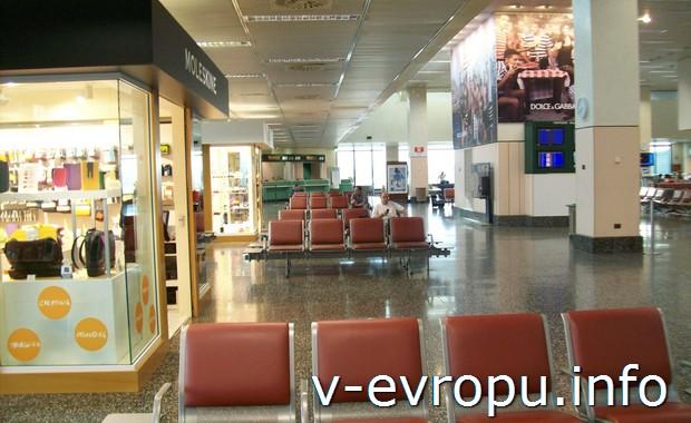 В аэропорту Мальпенса (Милан)