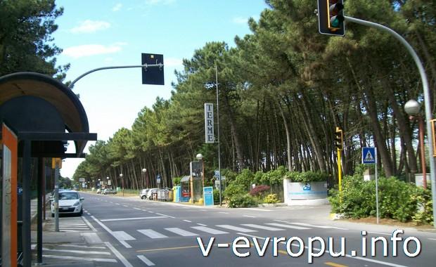 Разрешающий сигнал светофора на итальянских дорогах быстротечен, как  отпуск в Италии