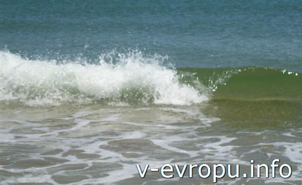 Чистое море - главная достопримечательность острова Капри