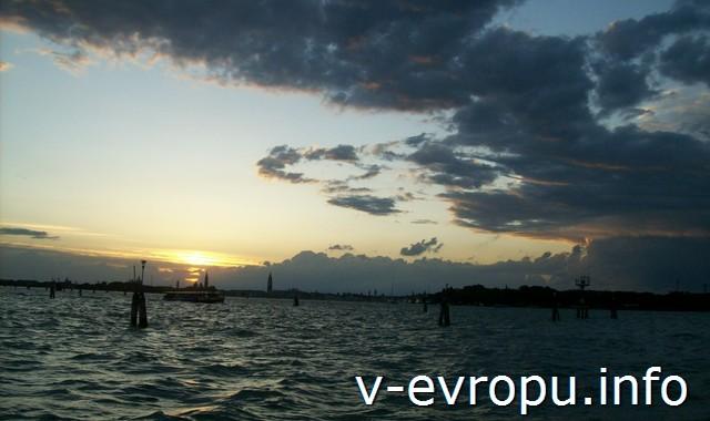 Закат в Венецианской лагуне