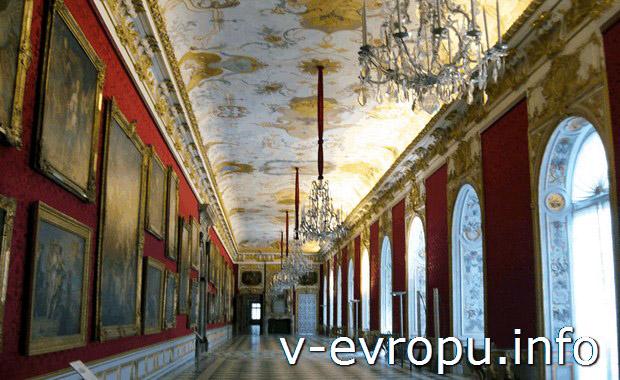 Картинные галереи в замке Шляйсхайм