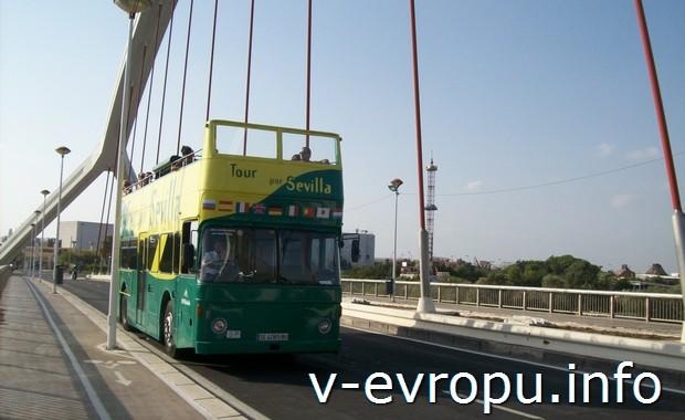 Туристический экскурсионный автобус в Севильи