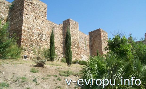 Стены крепости в Малаге