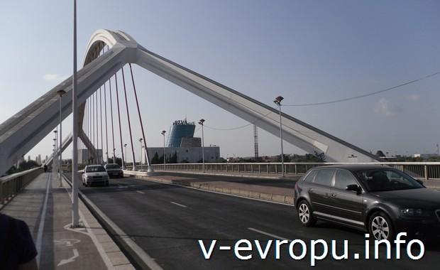 Мост Аламильо в Севилье