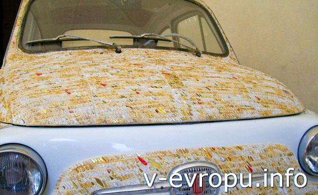 Это не автомобиль для путешествий,  а экспонат городского музея Равенны