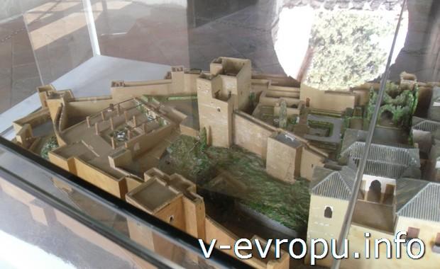 Макет замка Хибральфаро в Малаге