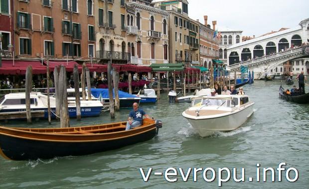 Самостоятельно ищем самые дешевые билеты на самолет в Венецию