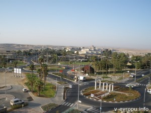 Город Арад в 25 км от моря