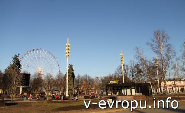 Москва. Колесо обозрения на ВВЦ