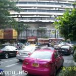 Такси в Бангкоке малинового, желтого или зеленого цвета