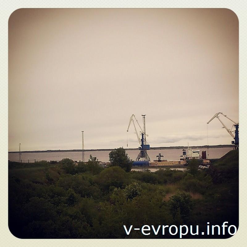 На холмах с видом на современный порт Палдиски до сих пор можно увидеть остатки Петровской крепости и доков