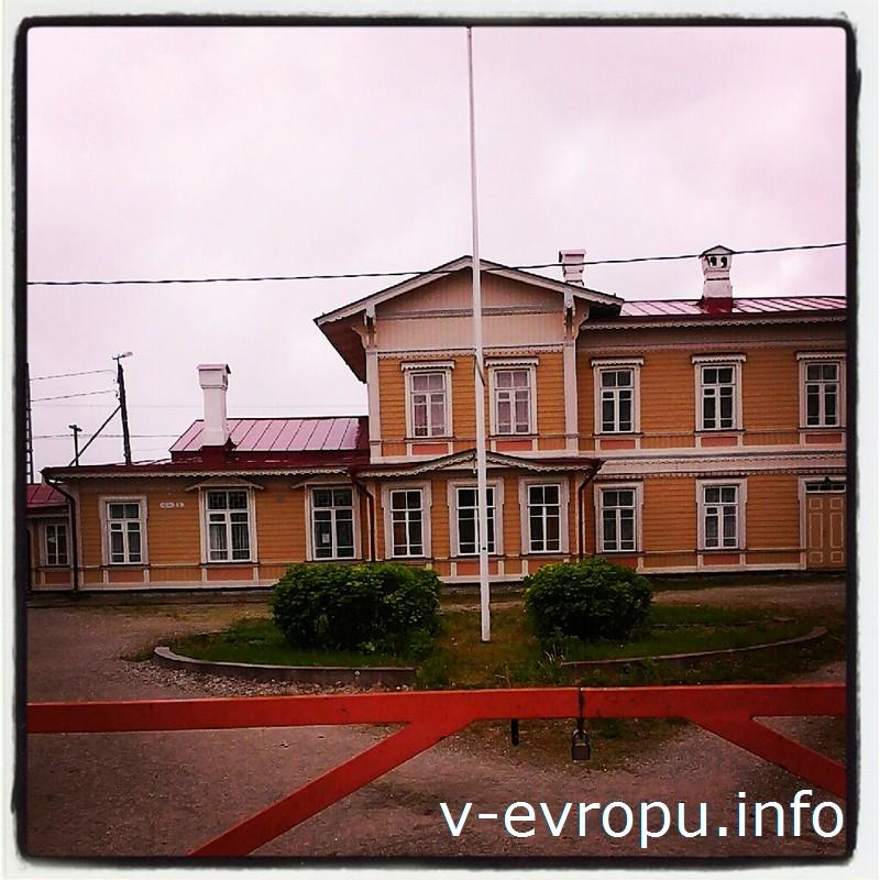 Вокзал в Палдиски был построен по типовому проекту III категории