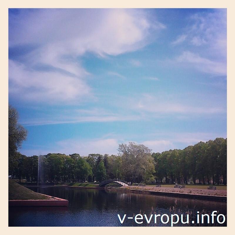 Там, где раньше  в Пярну был военный форт, теперь раскинулся парк для народных гуляний