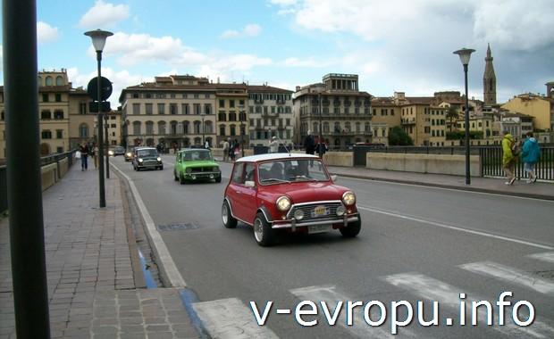 Авторалли старых автомобилей во Флоренции в мае 20014