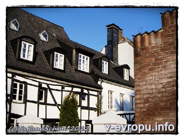 Урденбах на юге Дюссельдорфа - приятно погулять по этой бывшей рыбацкой деревушке!