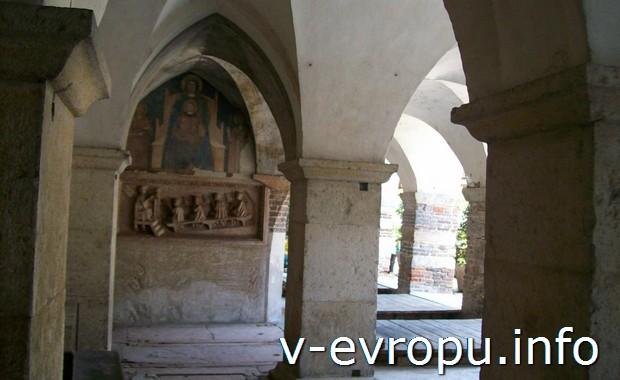 В церкви Сан Фермо в Вероне