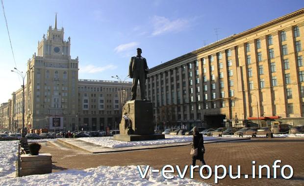 Памятник Маяковскому на Триумфальной площади, Москва