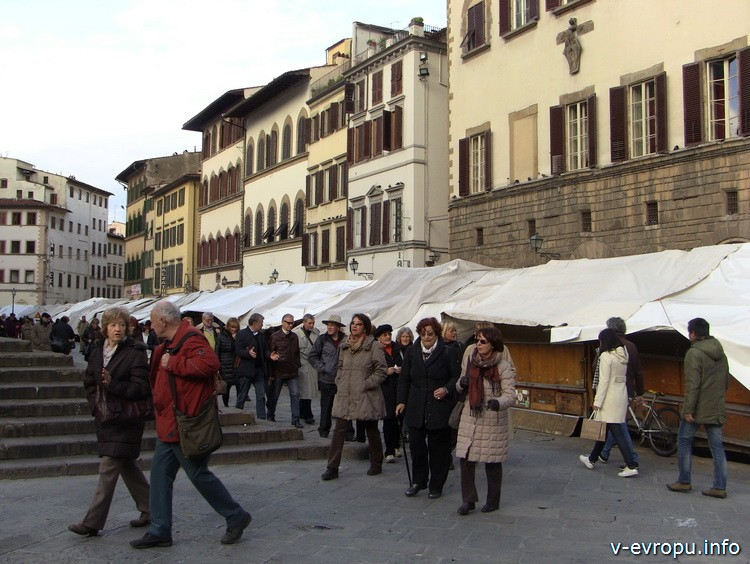 Торговые ряды на piazza San Lorenzo