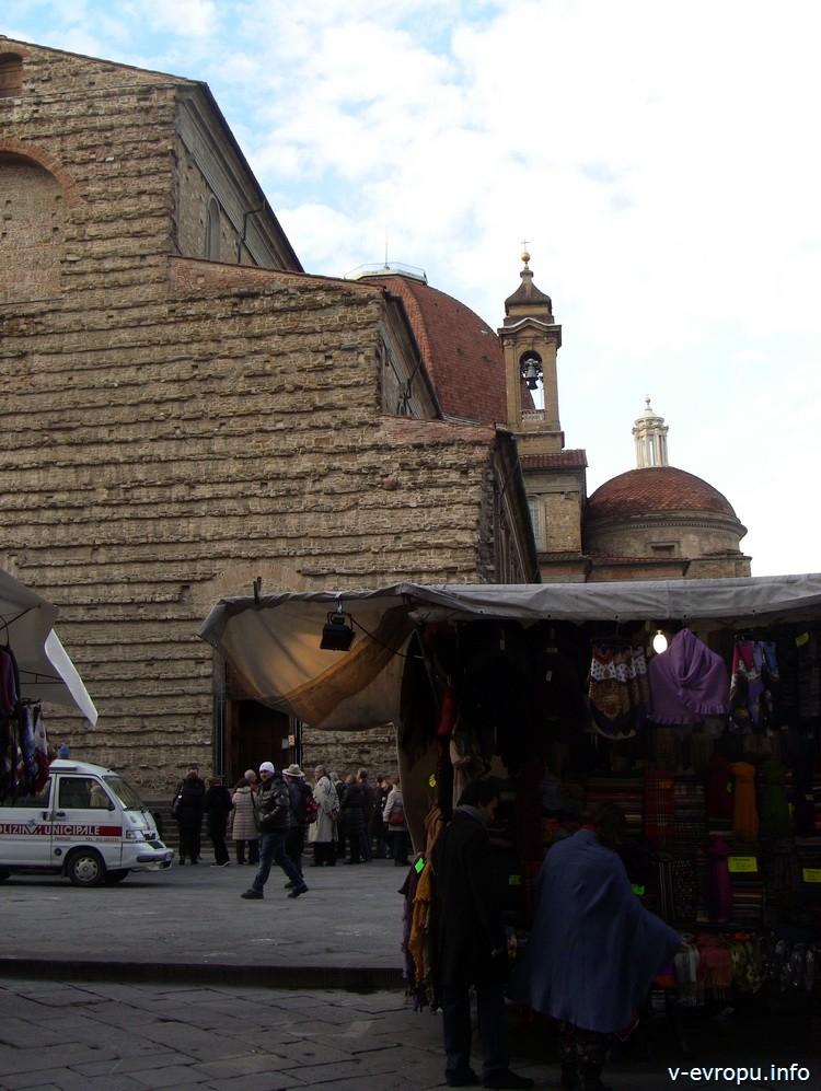 Флоренция. Рынок у базилики Сан Лоренцо