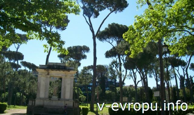 Парк у виллы Боргезе в Риме