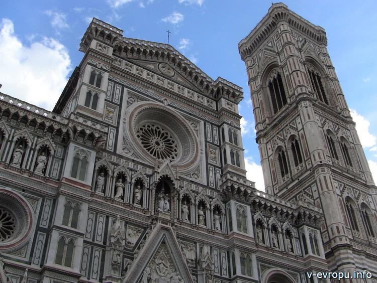 Флоренция. Фасад Санта Мария дель Фиоре и Колокольня Джотто.