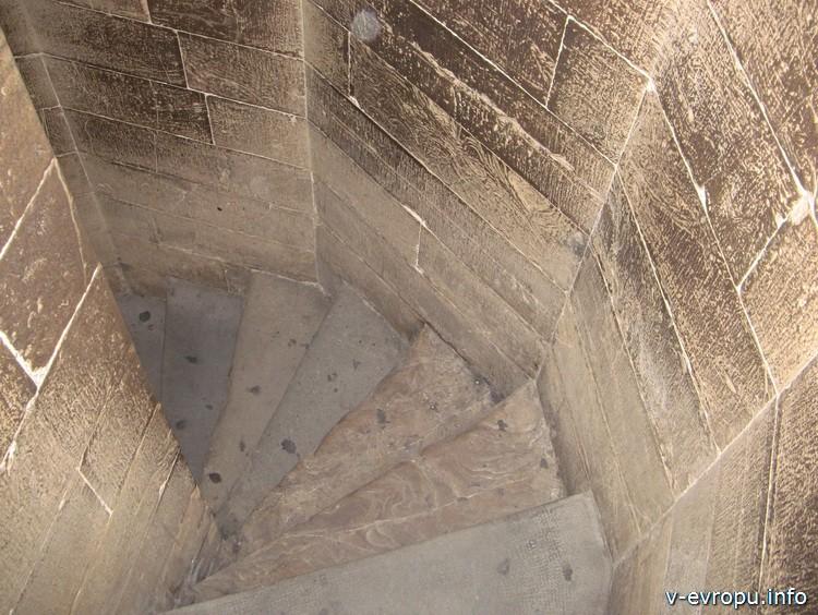 Подниматься на Башню Собора Санта Мария дель Фиоре нужно пешком
