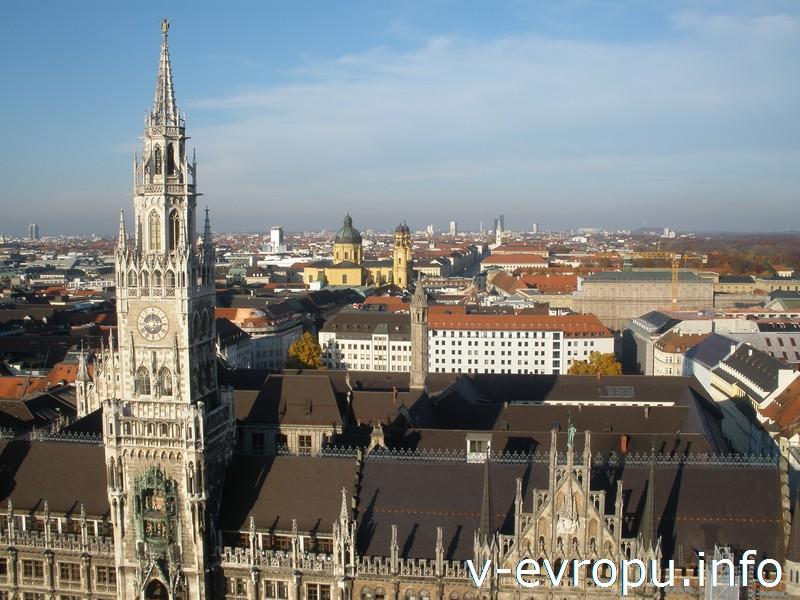 Вид на исторический центр Мюнхена с башни церкви Св. Петра