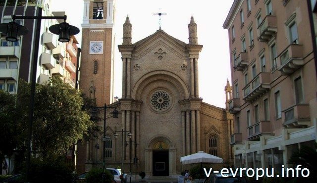 Достопримечательности Пескары - церковь Сакро Куоре ди Джесу