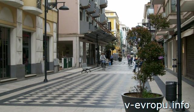 Пескара. Италия. Пешеходная улица в центре города