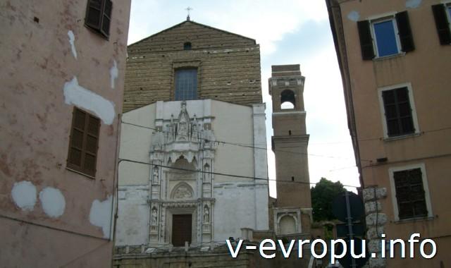 Церковь Сан Франческо делле Скала (Церковь Святого Франциска у Лестницы). фото